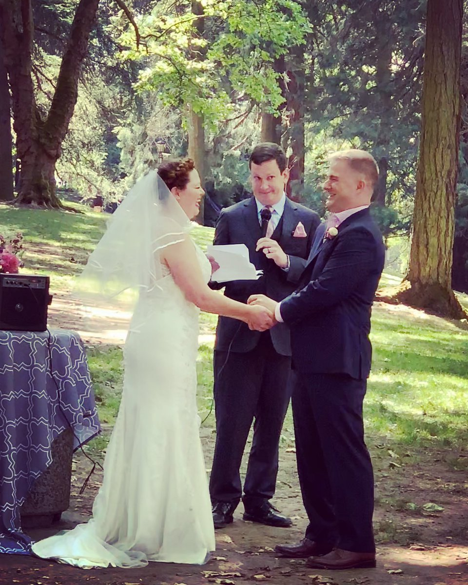 #ohgodwhathaveIdone This has to be my favourite photo of the wedding @amye @BitIntegrity @QuinnyPig<br>http://pic.twitter.com/lM8tFKY1pT
