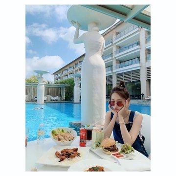 Tổng hợp SNS của Yoona D_5rQjjWkAASfBl?format=jpg&name=360x360