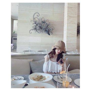 Tổng hợp SNS của Yoona D_5sLgoXkAszJ4K?format=jpg&name=360x360