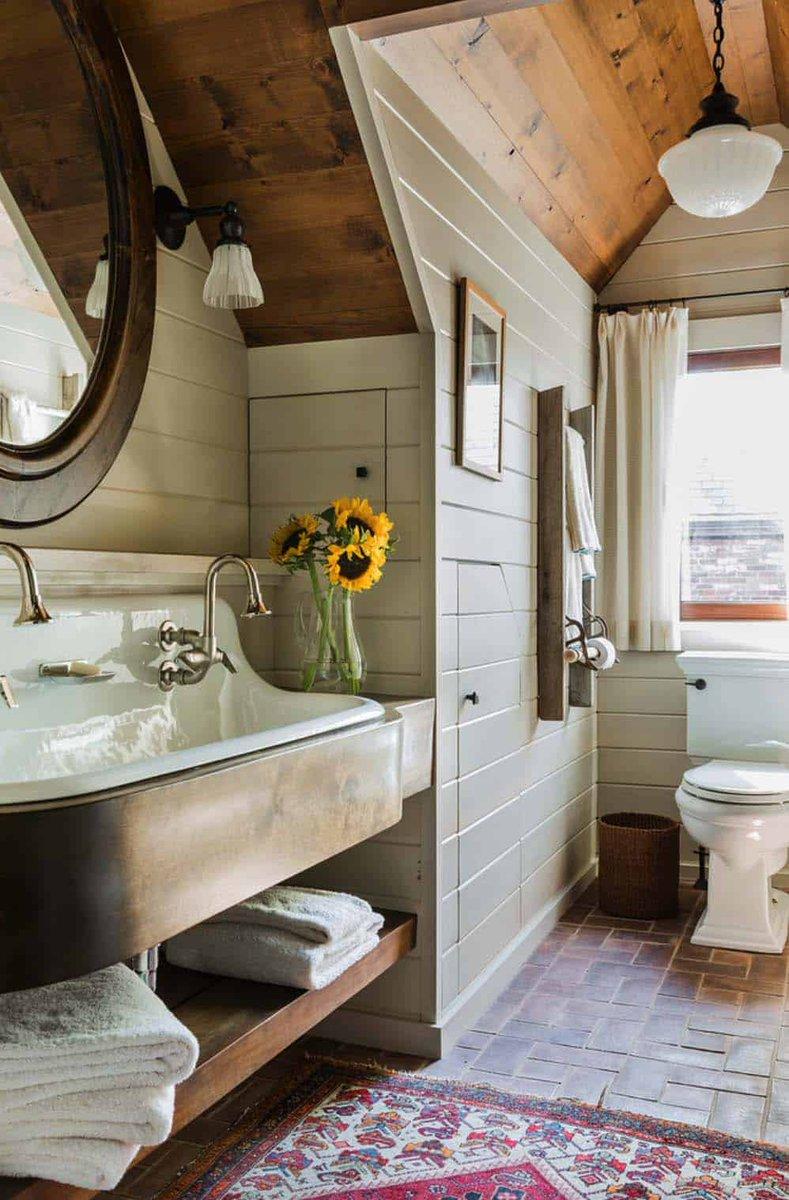 21 Gorgeous farmhouse style bathrooms you will love https://onekindesign.com/2017/05/26/farmhouse-style-bathrooms/…