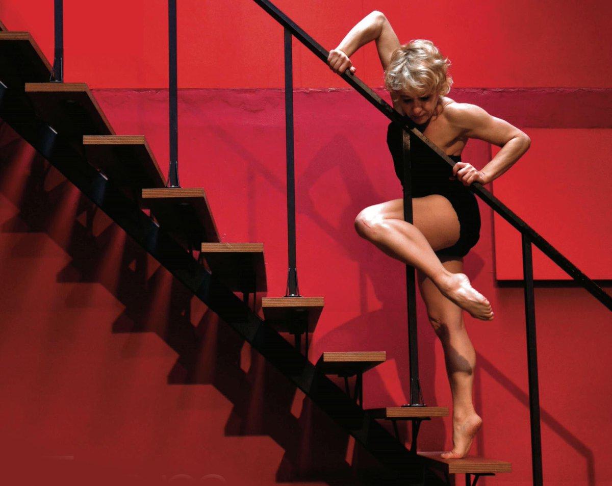 Avui, la gran @SolPicodanza celebra 25 anys dalt dels escenaris. Per molts més Sol 💜💜 #dansa