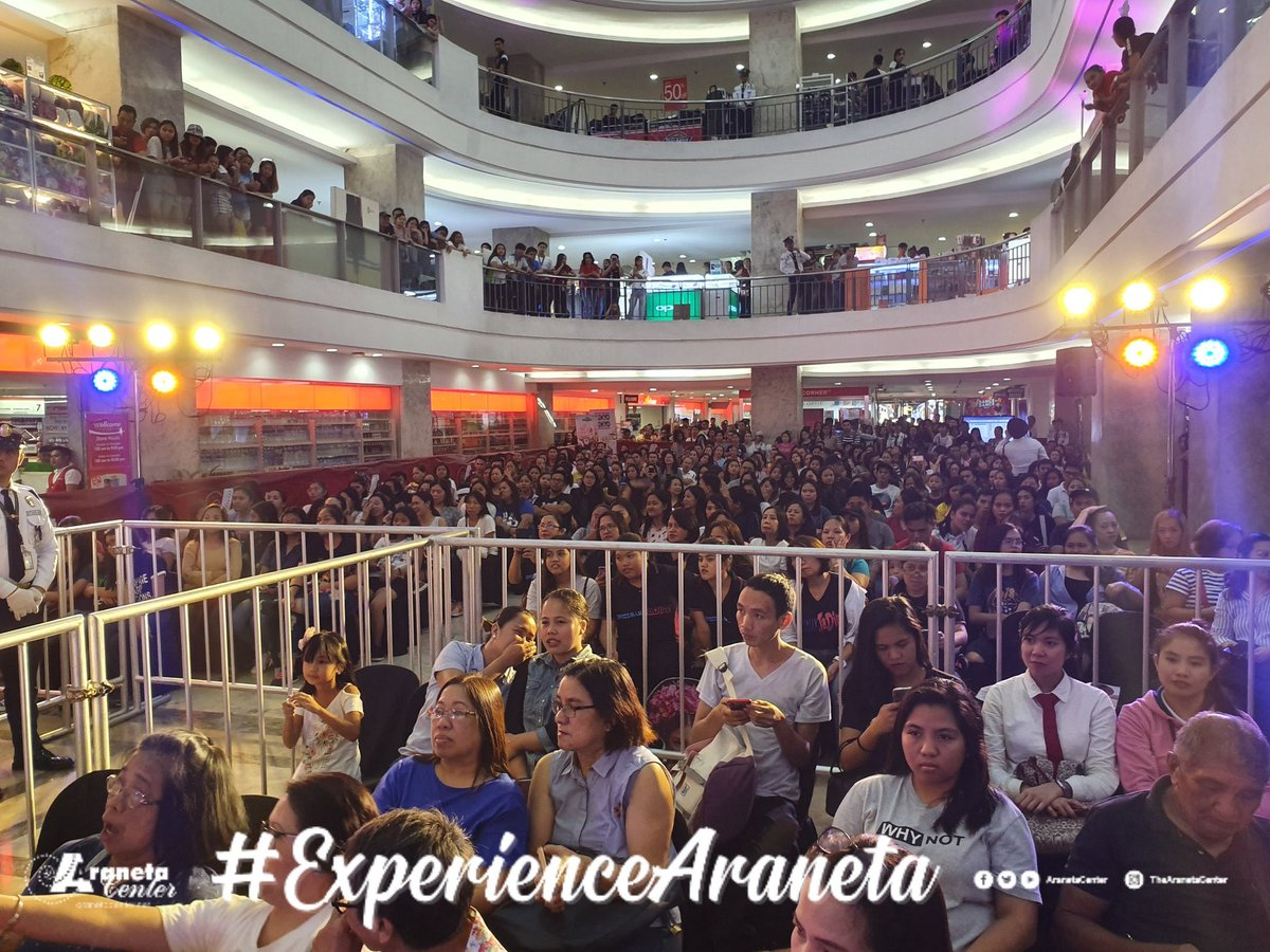 Full house ang Farmers Plaza for today's mall tour!  #IndakTourAtFarmersPlaza <br>http://pic.twitter.com/OdtDzjEWny