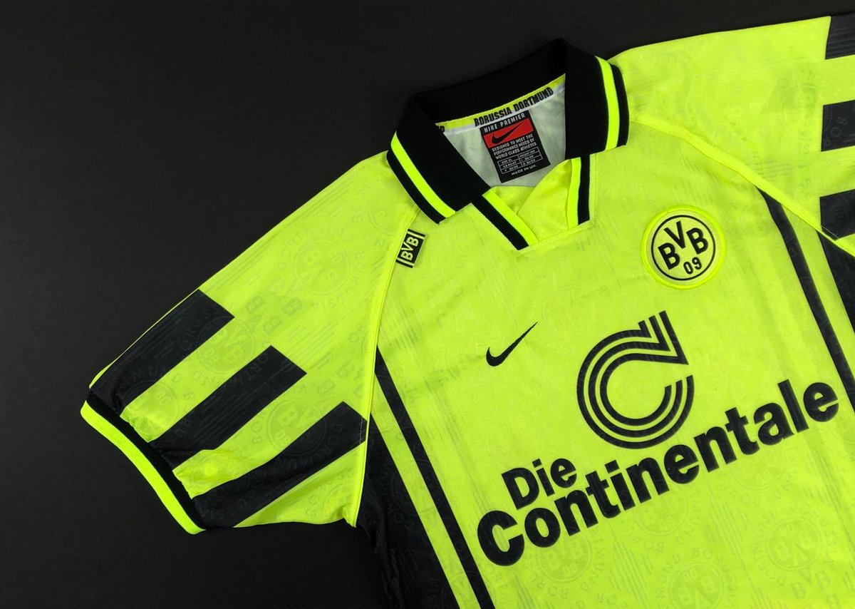 Best ever @BVB shirt? cultkits.com/dortmund-19969…