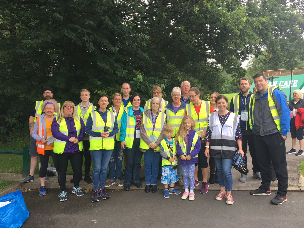 Thanks to our volunteer dream team. It poured with rain shortly after this photo was taken ☔️ 🌧😣 But they all kept smiling! 😊💕💕#loveparkrun