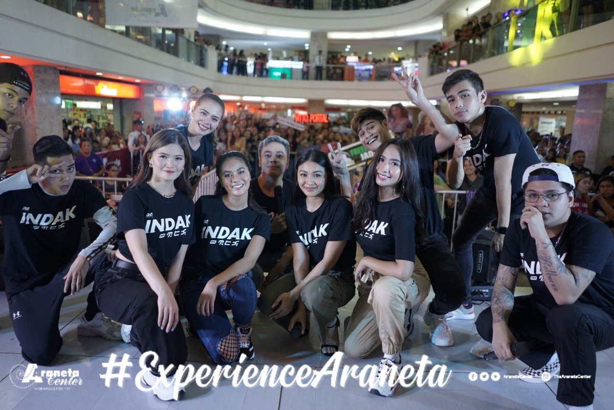 Great to have the cast of INDAK here at Farmers Plaza!  Don't forget to watch #INDAKMovie here at @gatewaycineplex on Aug. 7!  #IndakTourAtFarmersPlaza  #ExperienceAraneta<br>http://pic.twitter.com/vFcxFUk21n