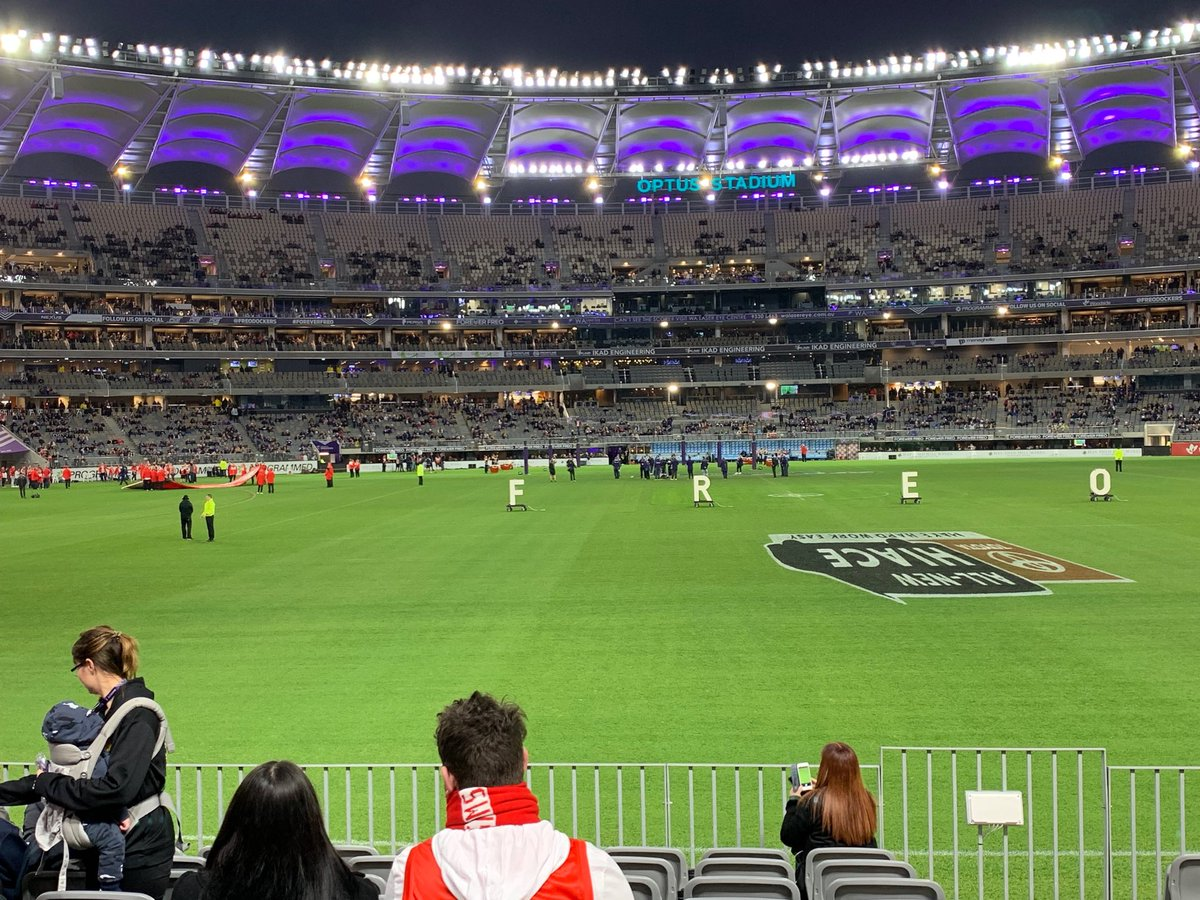 Another great night out @OptusStadium with @sydneyswans v @freodockers #justanotherdayinWA
