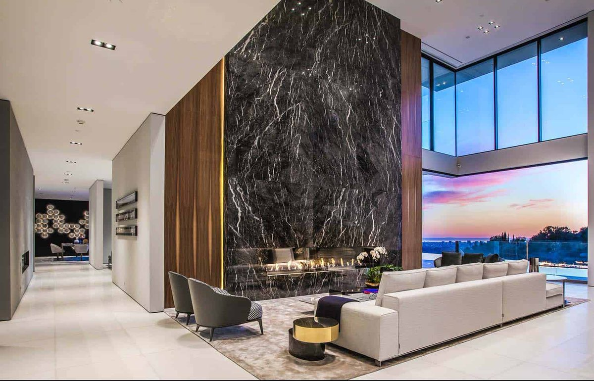 Sumptuous luxury modern home with views over the LA skyline https://onekindesign.com/2017/06/28/luxury-modern-home/…