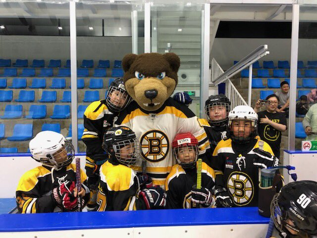 Day 2 ✅   #BruinsGlobal with an eventful second day in Beijing, featuring another youth clinic and a skate with O.RG. Packaging.