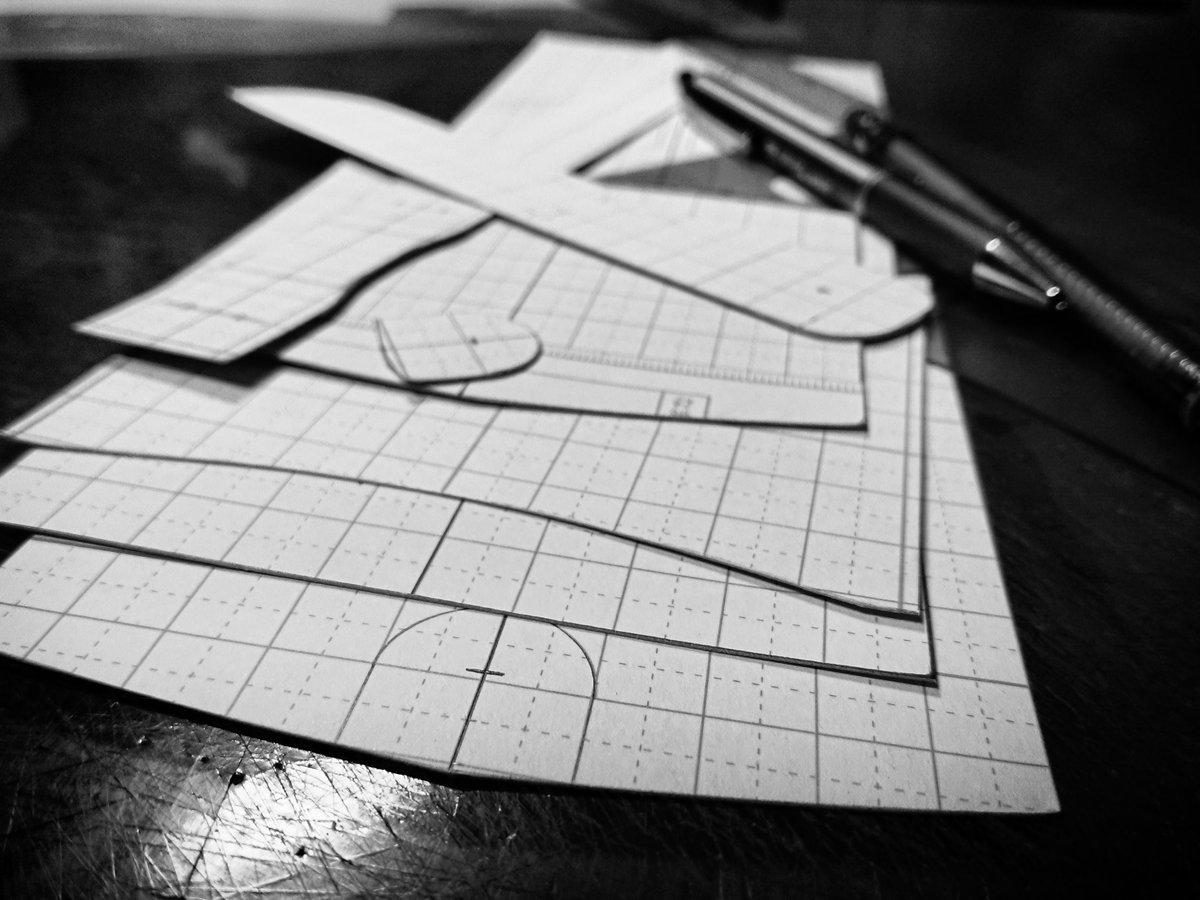 パターンメイキング終了。 #leather #leathercraft #handmade #handcrafted #bespoke #chelsealeatherartwork #革 #革細工 #レザー #レザークラフト #オーダーメイド #bespokeleather #オーダー承ります #オーダー受付中 #luxuryleather #luxuryleathergoods