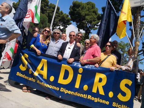 Concorsi per nuove assunzioni alla Regione, Sadirs verso lo sciopero - https://t.co/PIxp2UbMqu #blogsicilianotizie