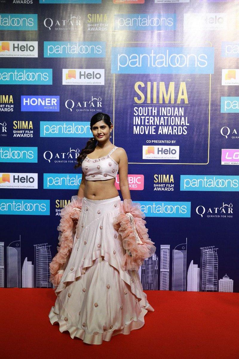 Slayin' the Indian traditionals, @iamashimanarwal at the SIIMA Short Film Awards!  #PantaloonsSIIMA #SummerInQatar #SIIMAShortFilmAwards #ONEFMQATAR #SIIMAinQatar #HeloApp #VIBRI #AskSIIMA @pantaloonsindia⠀⠀⠀ @VisitQatar @ONEFMQatar