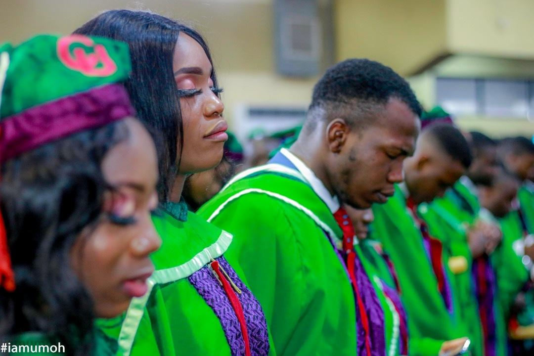 I graduated with a First Class in Electrical and Electronics Engineering from covenant university and I am deeply grateful... <br>http://pic.twitter.com/liYHtKqgYw
