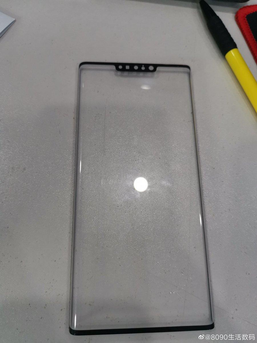 هذه صورة مسربة يُقال أنها للوحة الحماية الخاصة بشاشة الهاتف #هواوي ميت 30 برو. تؤكد قدومه بشاشة أطرافها نحيفة للغاية مع نوتش وتقنية FaceID وانحناء كبير. الإعلان الرسمي متوقع في اكتوبر. انطباعكم؟ #HuaweiMate30Pro #Huawei