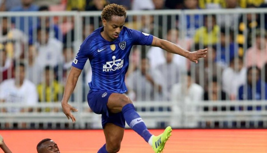"""According to AS, Al-Hilal will buy 70% of André Carrillo's contract from Benfica for €9M. The Portuguese club will stay with the remaining 30%.  Never like these types of """"buys"""" nor do I like the move for Carrillo. 🤷🏽♂️ #ArribaPerú #TransferTalk"""