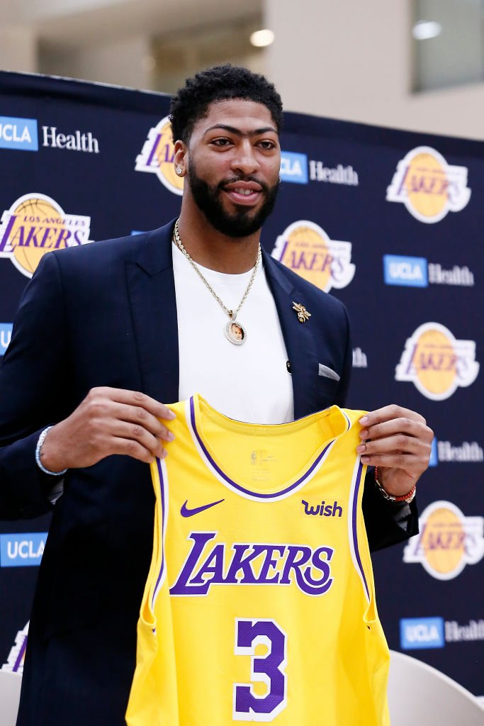 New @Lakers threads for @AntDavis23!