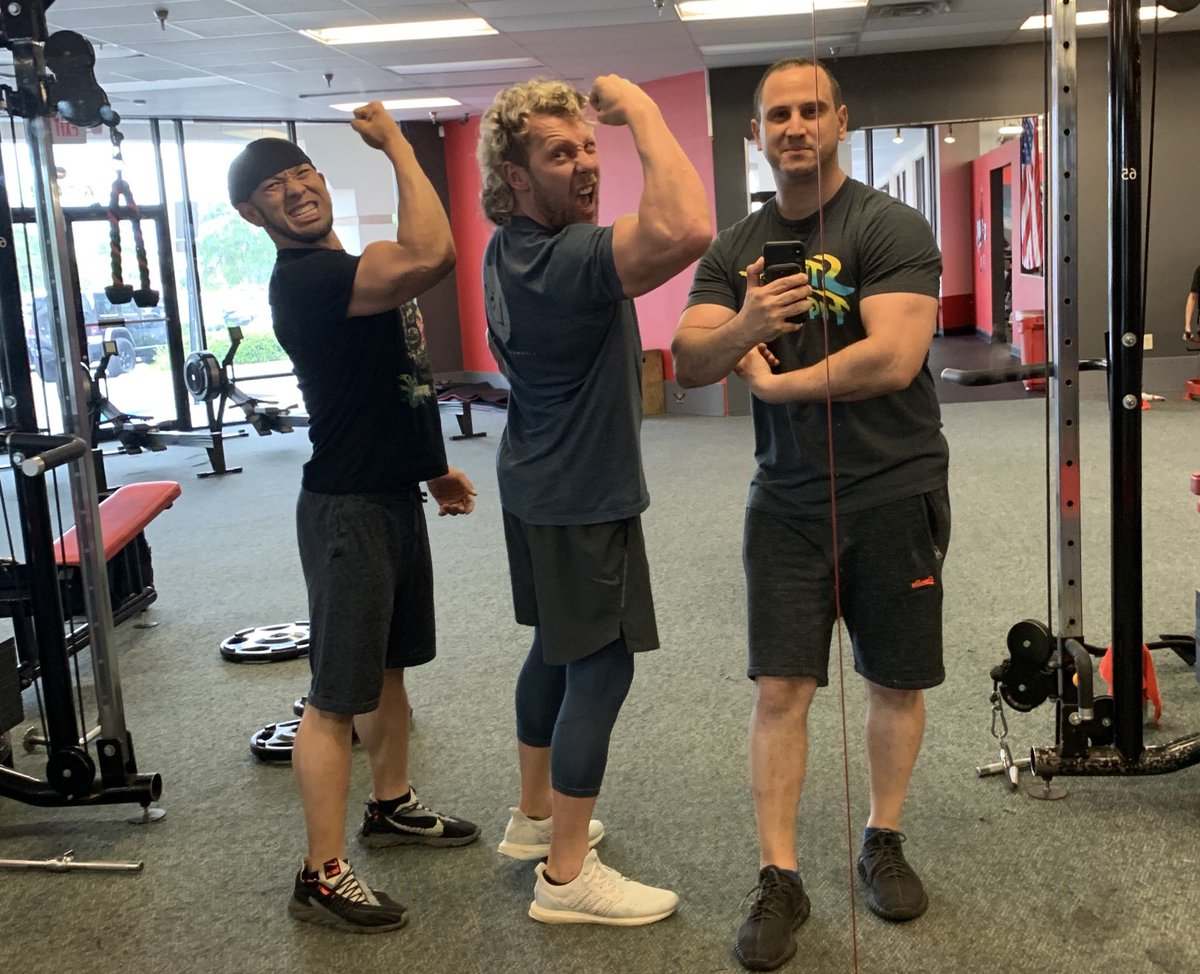 We're bringing back Arms for Nintendo Switch <br>http://pic.twitter.com/UBW1ehJ7r1