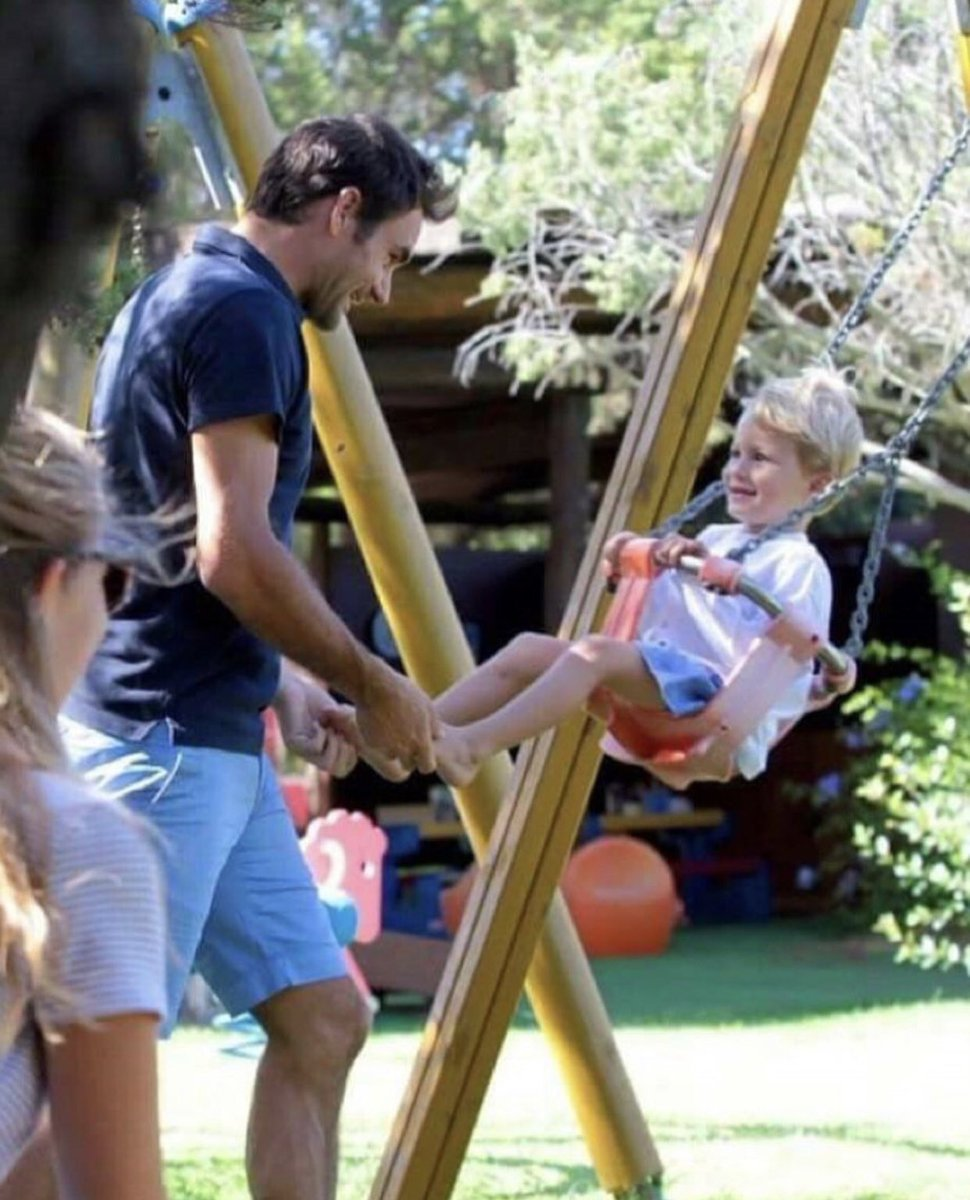 I love this picture🥰Roger the simple pleasures in family with his son like all dads ❤️ #federer