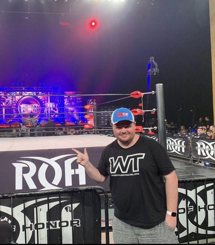 Wrestling Travel is in the house @ringofhonor for #ManhattanMayhem<br>http://pic.twitter.com/J0YONVARHY