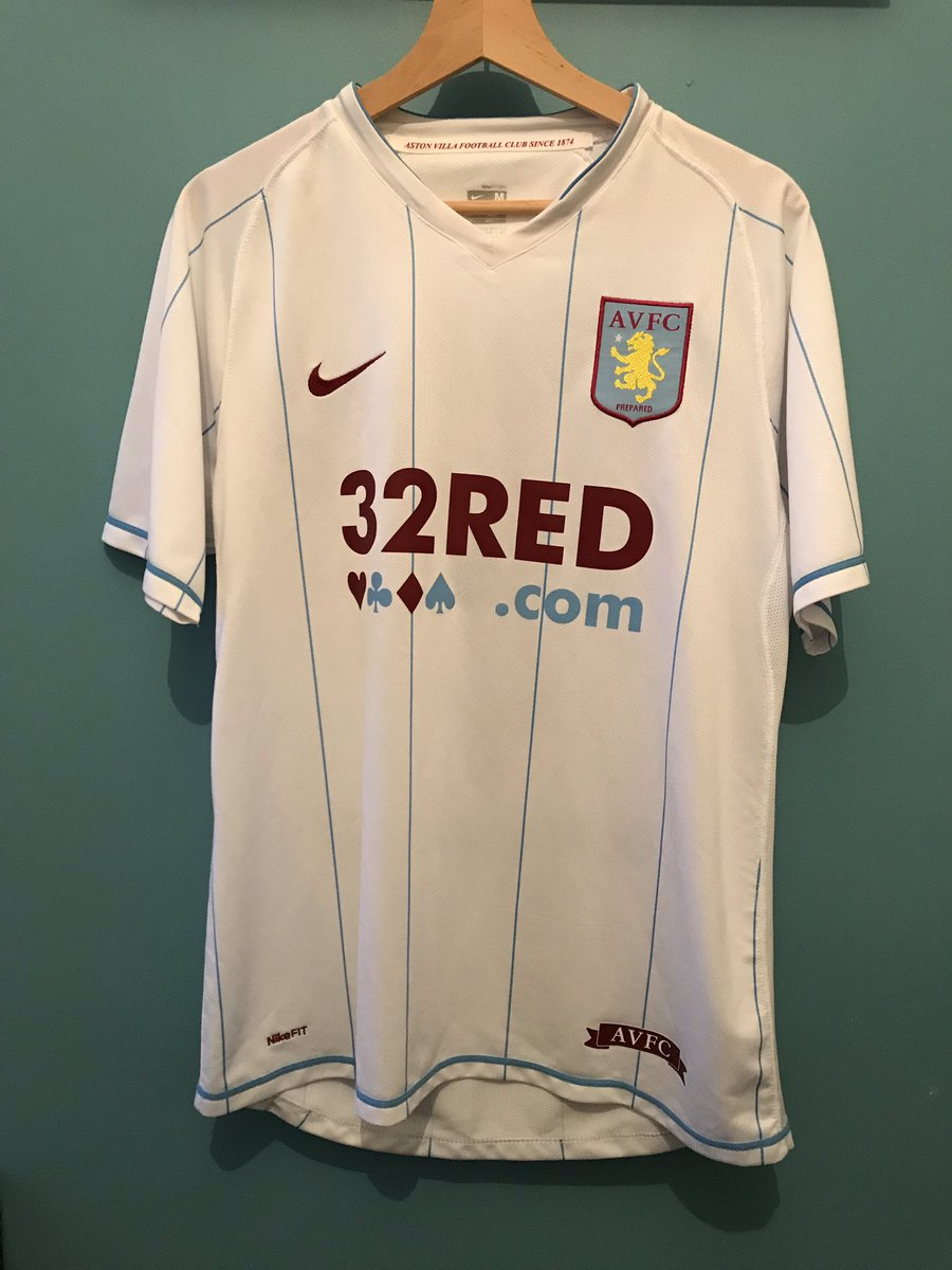 I'm currently selling this very rare #avfc shirt. Condition is mint with no pulls or stains. DM me for more details. Offers ✌️@AVFCOfficial @Avfc_Bloxwich_L @TheVillaYamYam @NoZuluZone @TheVillaView_