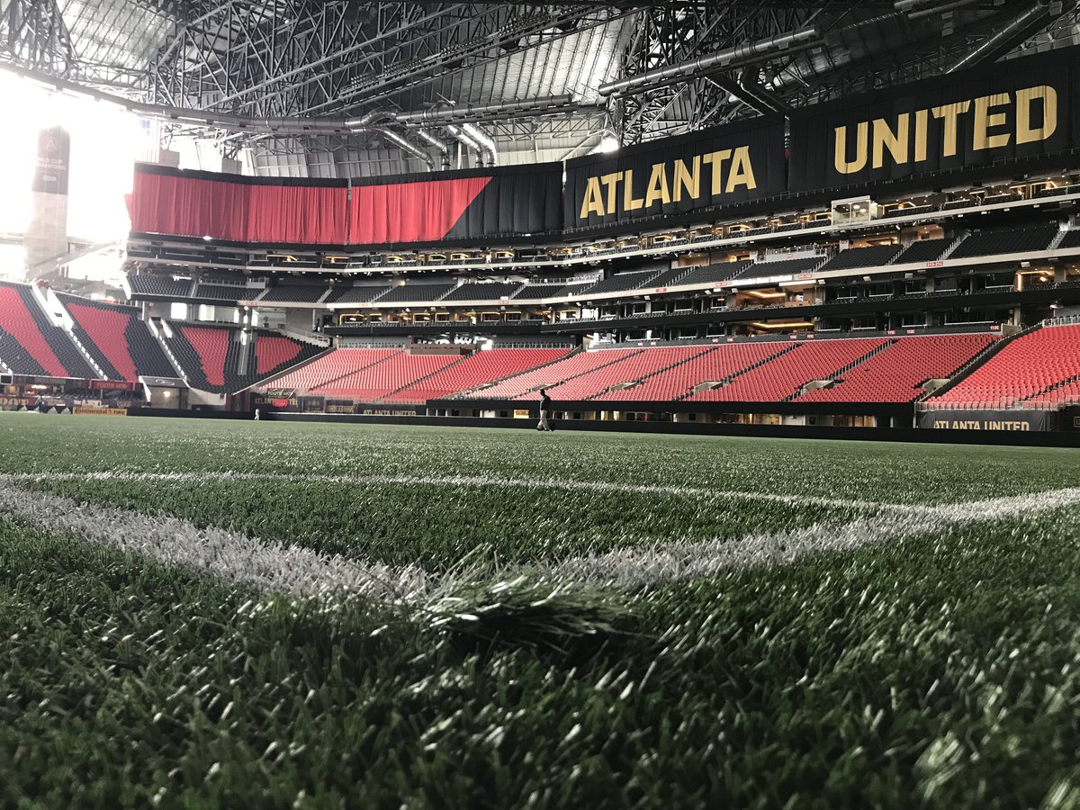 Enjoyed the tour @MBStadium today!  Cannot wait to cheer on @ATLUTD Sunday!  But first walking to cheer on the @Braves for Christmas in July!<br>http://pic.twitter.com/w7iy5XGrXp
