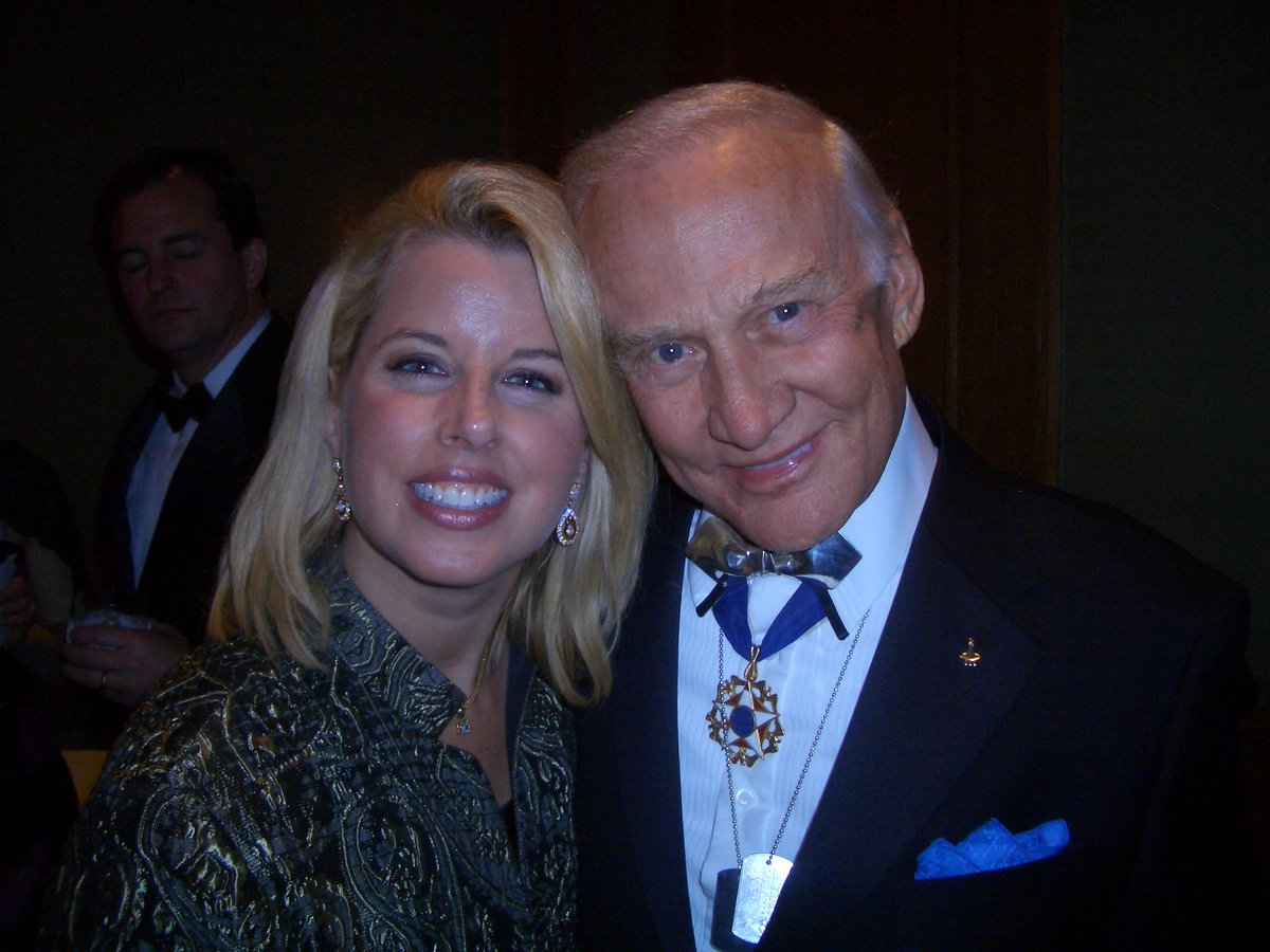 My #moonwalking friend #BuzzAldrin, 89 years young, is ALWAYS the coolest guy in the room! Bravo to him & all of America's Heroes of #Space on this #Apollo50th  #apollo11anniversary #MoonDay.<br>http://pic.twitter.com/WjSYi5lpAK
