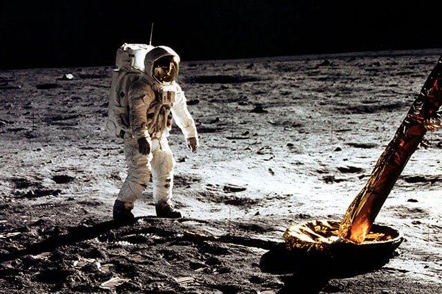 #Mundo Cuatro días de aventura espacial: así fue el momento en que el hombre pisó la Luna https://bit.ly/32BGi33