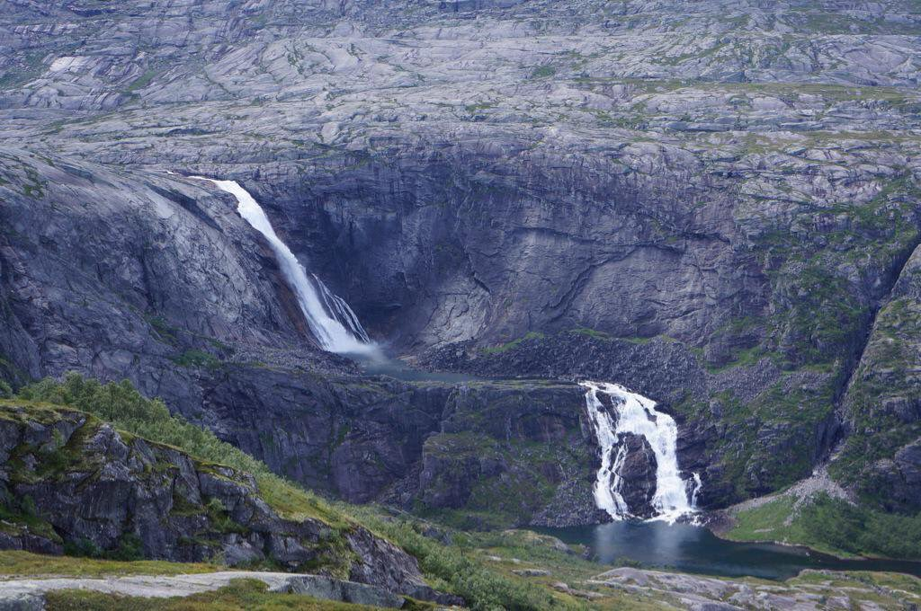 The same #waterfall as previous tweet, but seen from the #mountainside