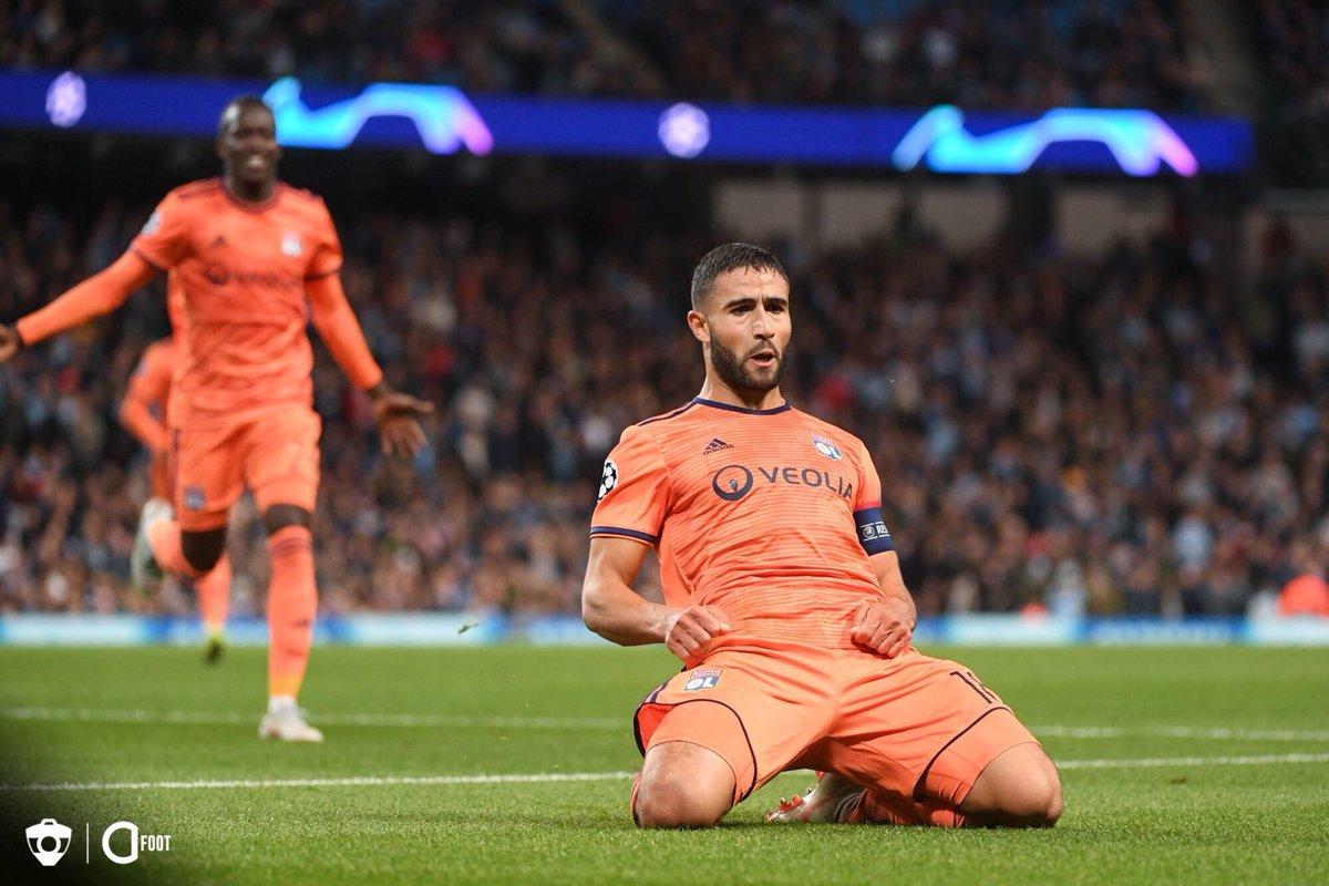Naples, qui peine à trouver un accord avec le Real Madrid concernant James Rodriguez, cible désormais Nabil Fekir. (Diario de Sevilla)