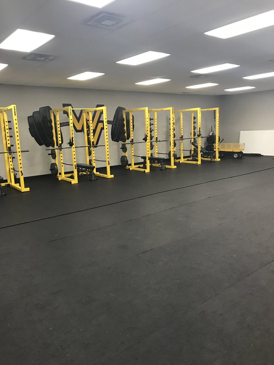 We had 8 weight sessions, 3 film study meetings, 4 practices, 2 7v7s (hosting 6 different teams) one of which included a hour and a half rain delay, sold 1,500+ cards, but most proud of the look of our facility after it all. #everythingmatters #discipline #pride<br>http://pic.twitter.com/JBmsbzks4X