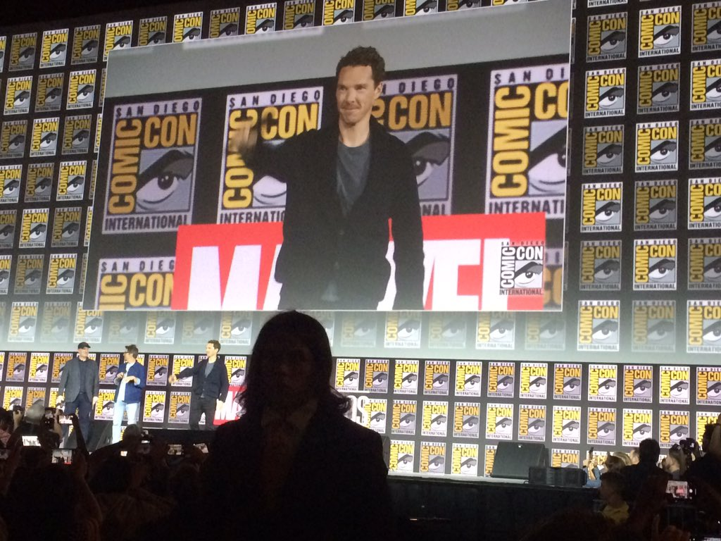 Benedict is here, the crowd are singing Happy Birthday to him #Marvel #SDCC<br>http://pic.twitter.com/CJoH8RPjLE