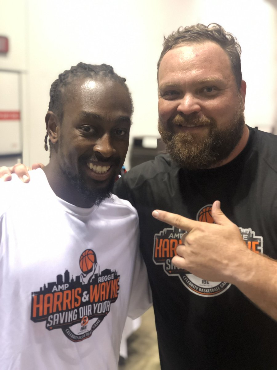 So much fun at the @ampharris @ReggieWayne_17 hoops game. @TYHilton13 Killed is with a last second shot. Next year I'm fouling ya pal! 😂💪👍 (PS thanks for not dunking on me @Ebron85)
