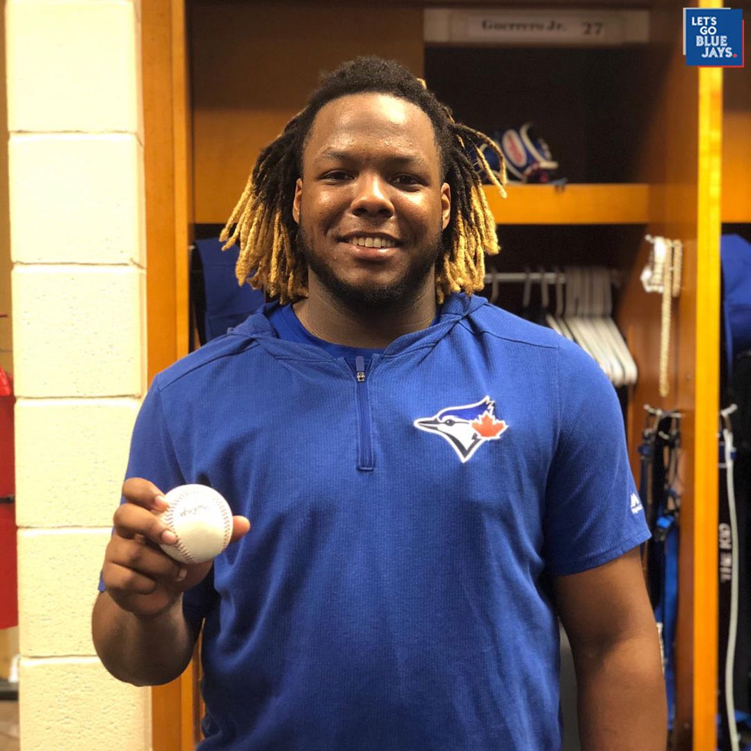 Add it to the 🏆 case!  Vladdy is the youngest player in franchise HISTORY to hit a Grand Slam! #PLAKATA 💥