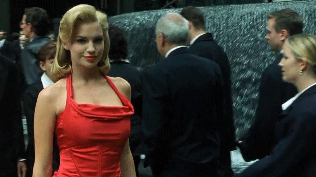 Matrix Decodificando A La Mujer Del Vestido Rojo Vídeo