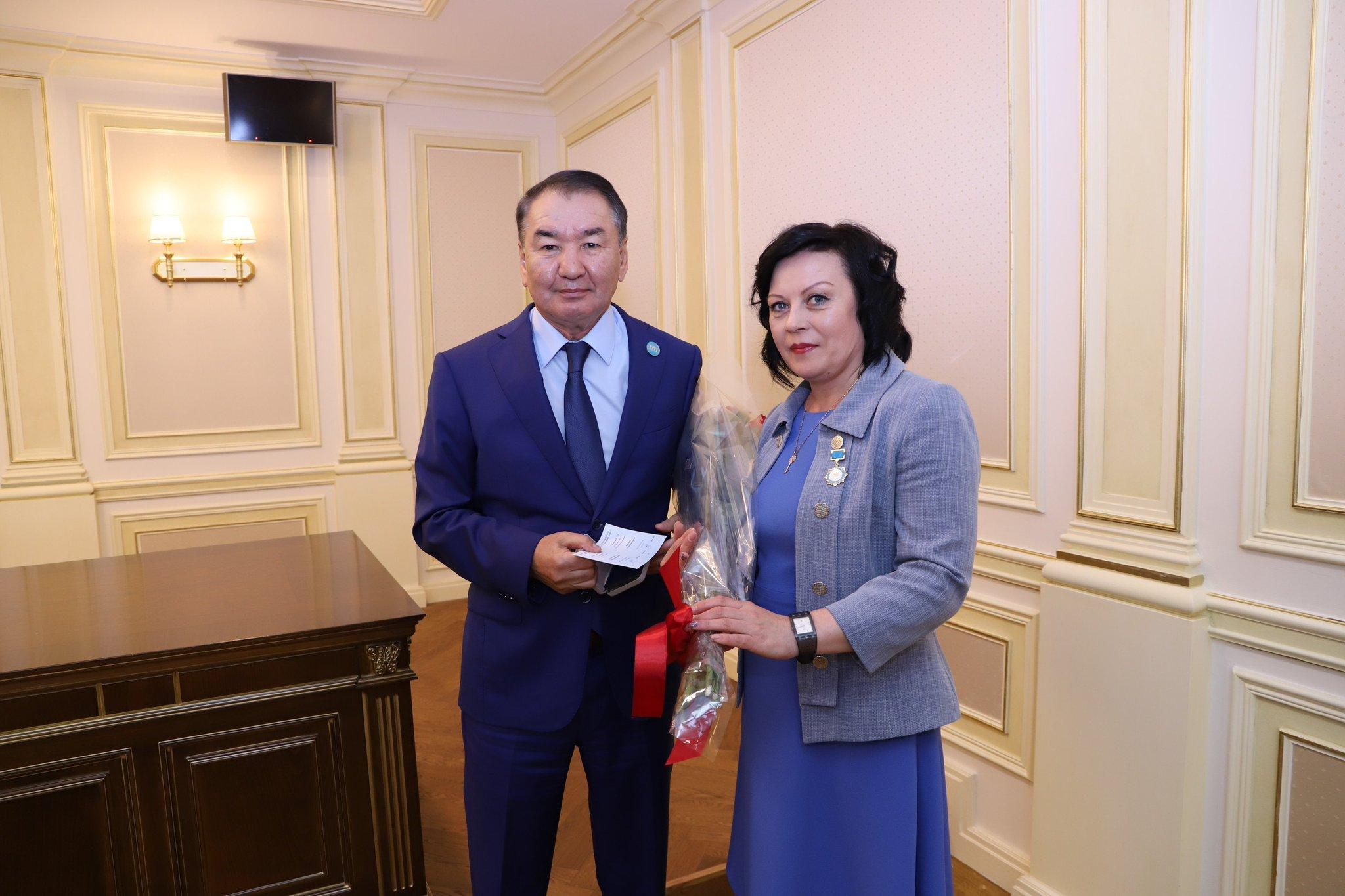 этой с днем госслужащего казахстана нового поколения