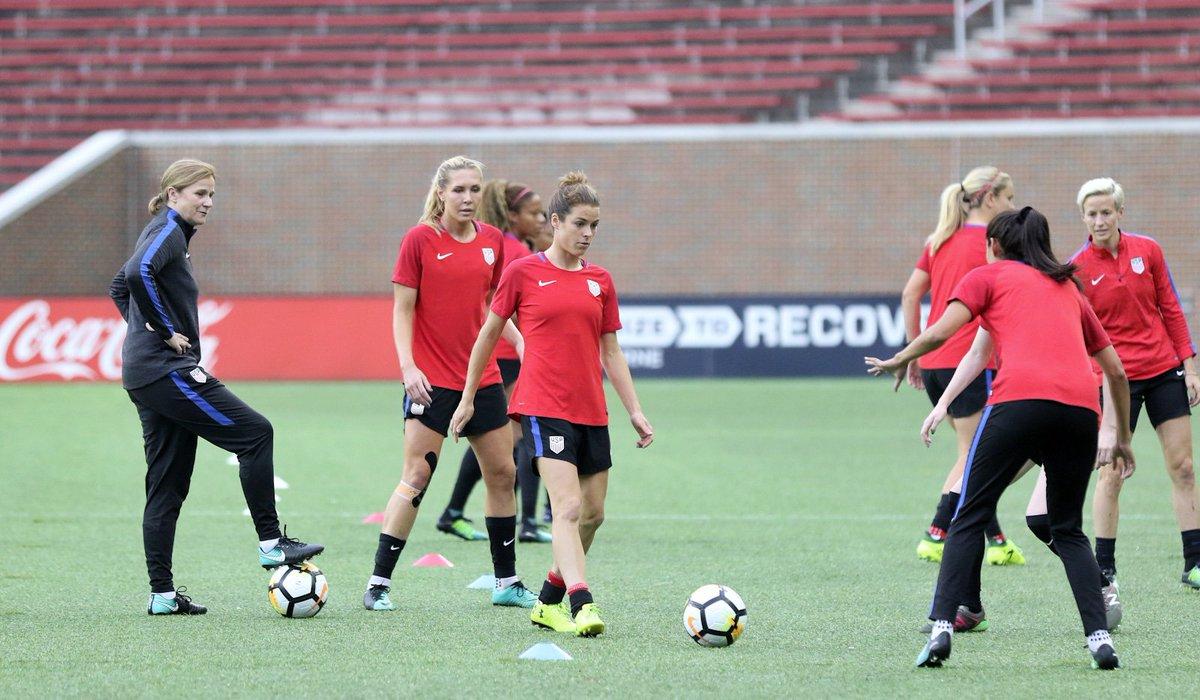 Some eye-opening research on the experiences of female football coaches @EPFinitiative @AthletesForHope @moyadodd http://bit.ly/2JoDRJO