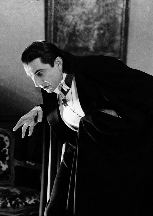 """""""WHAT?!"""" BELA LUGOSI in DRACULA (1931) by Tod Browning #UniversalMonsters #classic #horror<br>http://pic.twitter.com/C56P5hKE5w"""