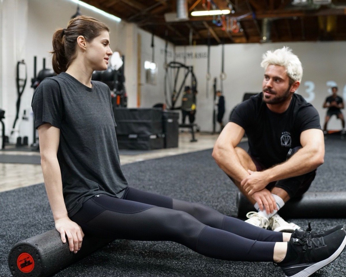 Just a little foam rolling between friends. Check out the latest ep of #GymTime  with my💥