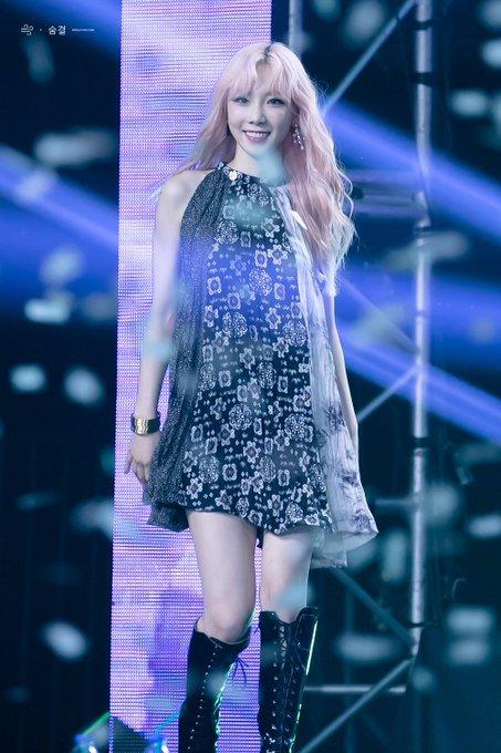 [PHOTO] 190706 Taeyeon - SBS Super Concert  D_CZisrUcAUQHaV?format=jpg&name=small