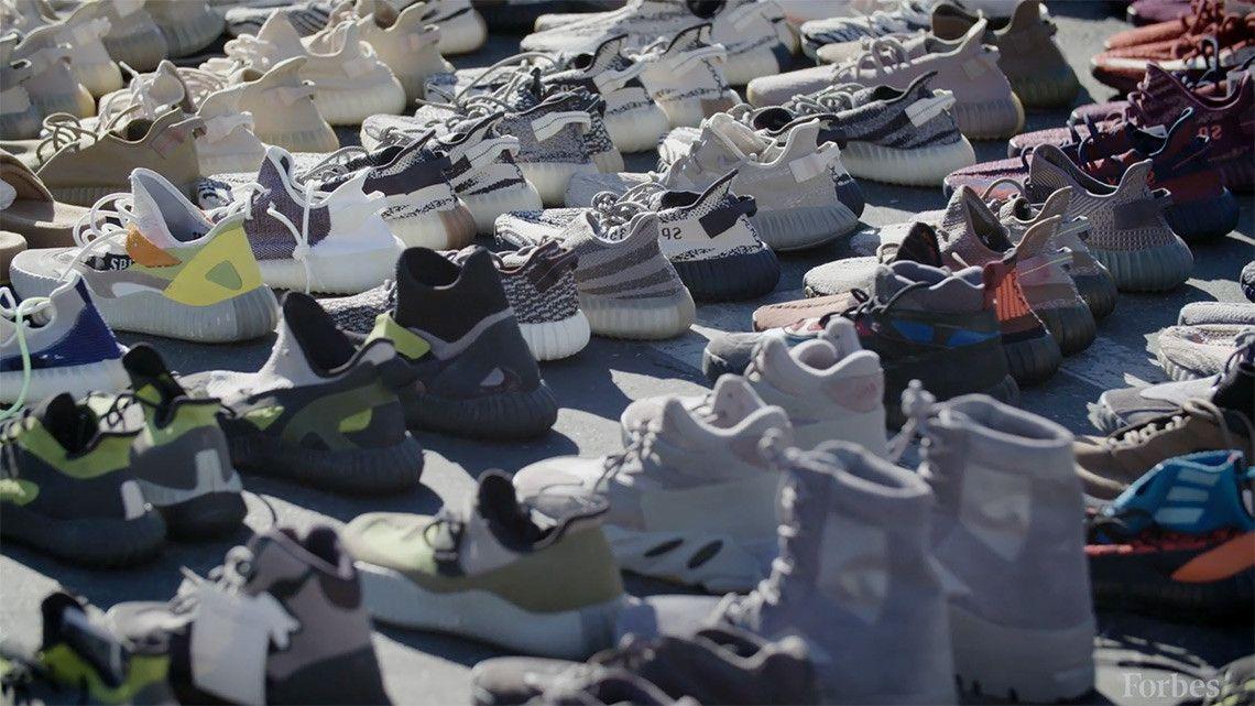 quality design 953e4 83a1c Sneaker News on Twitter: