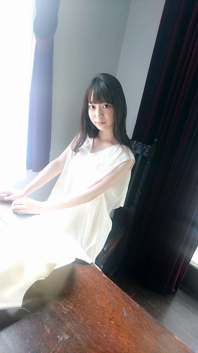 現在発売中の #BUBKA 8月号から #乃木坂46 #阪口珠美 さんのオフショットを公開!!阪口さんの美しいビジュアルが大爆発して誌面には収まりきらなかった海辺やお庭でのショットをお届けします!!