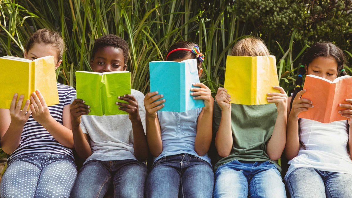 We're doing lots of reading during our summer break. <a target='_blank' href='http://search.twitter.com/search?q=welovebooks'><a target='_blank' href='https://twitter.com/hashtag/welovebooks?src=hash'>#welovebooks</a></a> <a target='_blank' href='https://t.co/WB4nCjXvhx'>https://t.co/WB4nCjXvhx</a>