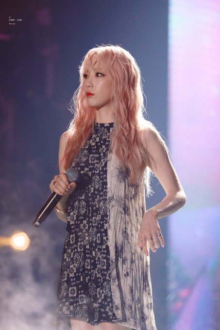 [PHOTO] 190706 Taeyeon - SBS Super Concert  D_G036hUYAUcCCu?format=jpg&name=small