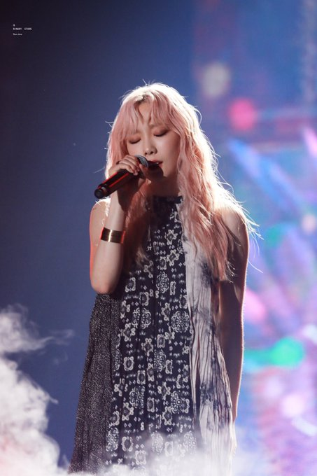 [PHOTO] 190706 Taeyeon - SBS Super Concert  D_G04wDUwAE_sUu?format=jpg&name=small
