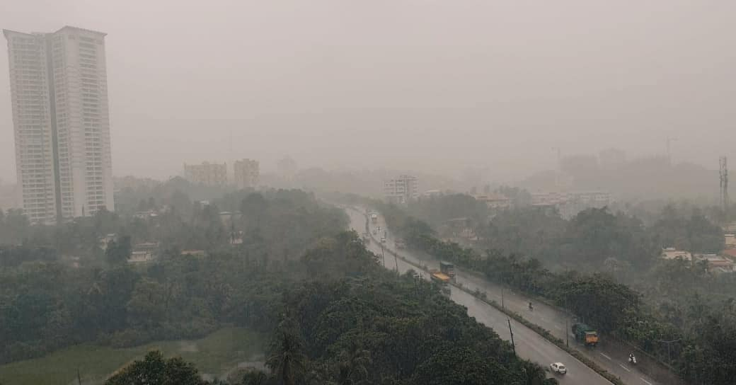 India Meteorological Department has predicted very heavy rainfall in Udupi district, parts of Uttara Kannada and Dakshina Kannada districts.  These areas are likely to receive heavy rainfall for the next 24 hours thereafter.  (📷:Akash)