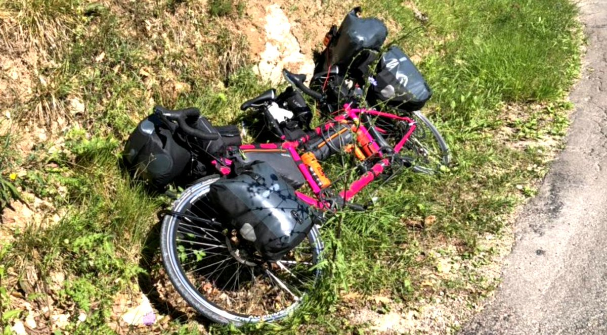 Please follow (on here or FB, not literally) two incredible women doing an around-the-world @TandemWoW challenge to raise money for MND and Oxfam, and hoping to break the world record (about 8 months, I think). And the tandem is not travelling light! bit.ly/2G6i1Zv