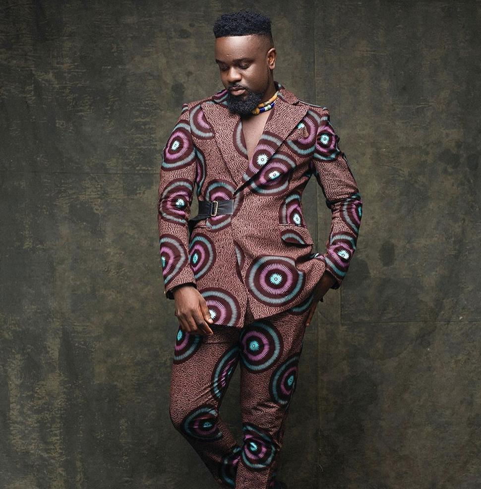 From one kaba god to another... Happy Birthday @sarkodie 🎉🎂💥