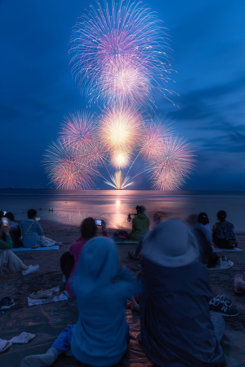 RT @yukitakasannn: 鎌倉花火大会🎆  海上で打ち上がる花火は最高だね🤤 https://t.co/c5QYJ2u4dl