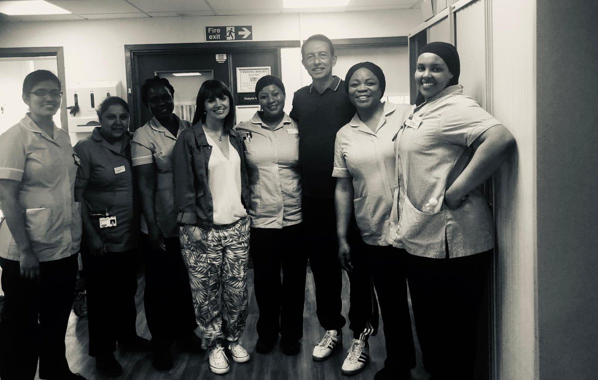 We popped back to #Chamneys ward @StGeorgesTrust to thank the team for their great care during our #TeamTransplant adventure  Outstanding team @DonnaMorgan86, @TotterdellJac you should be very proud.   Thank you @RachRoyall for such a wonderful gift  #LivingDonor @NHSOrganDonor