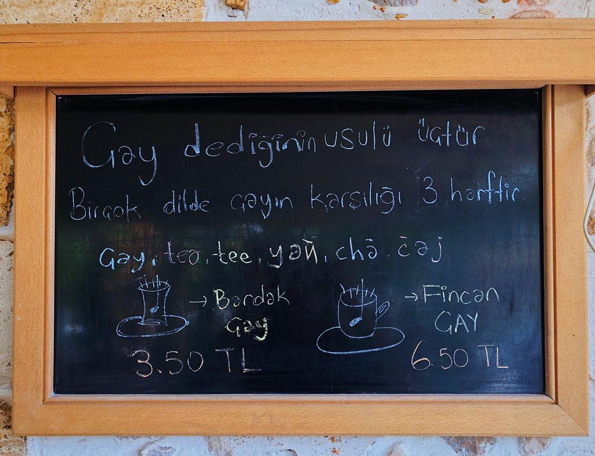 🏃🏽♀️Seviim koş, Berins cafede çay 3,5₺ olmuş🏃🏼♂️ #ankara #çayyolu #çaykeyfi #sarnıçpark #bestcafeintown #haftasonu #çarşamba