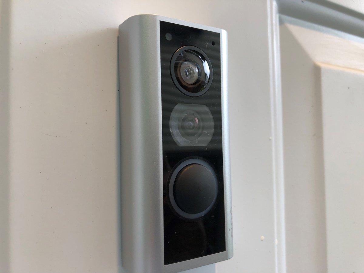 camera de surveillance appartement couloir immeuble